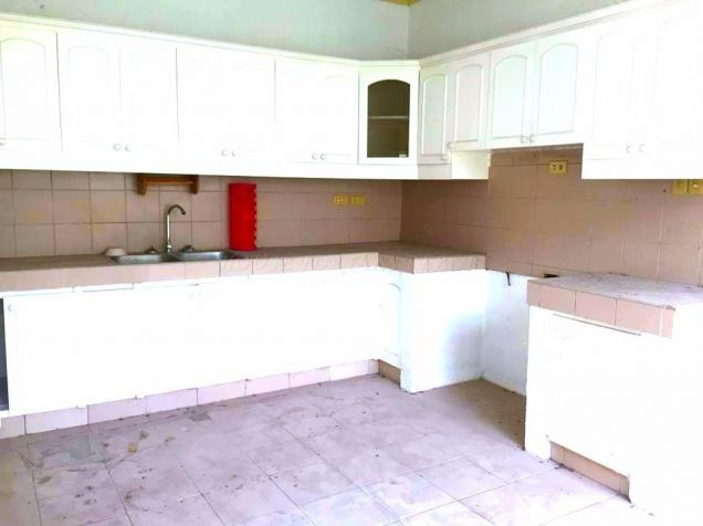 4 Bedroom Furnished Bungalow House and Lot for Rent Near Holy Angel University - 7