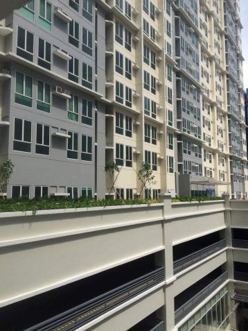 Rent To Own Condo In San Lorenzo Place Makati RFO Unit 5percent DP Only Move In. - 3