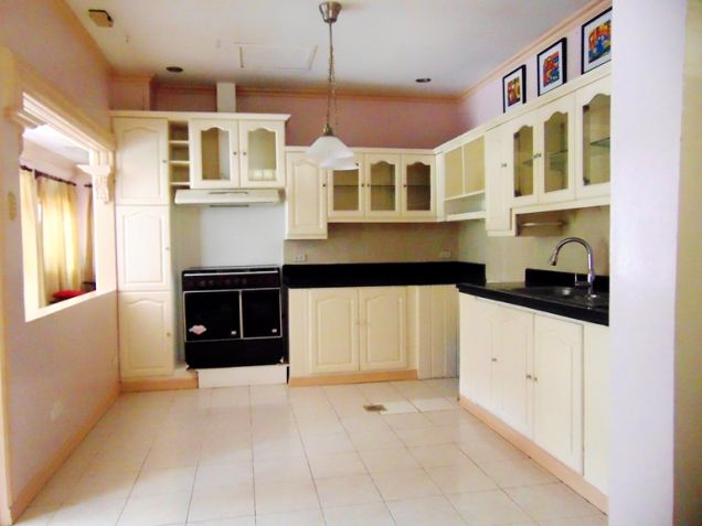 Maria Luisa House for Rent in Banilad, Cebu City 5-Bedrooms and 3 car garage Un-furnished - 6