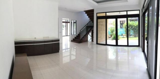 Spacious 4 Bedroom House for Rent in McKinley Hills Village(All Direct Listings) - 5