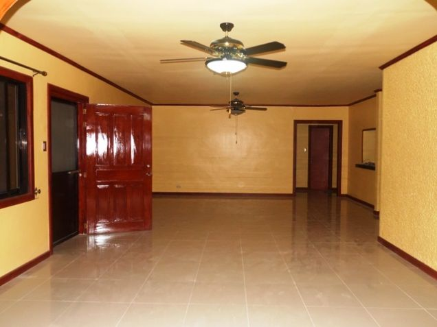 Bungalow House with 3 Bedroom For Rent near SM Clark -38K - 8