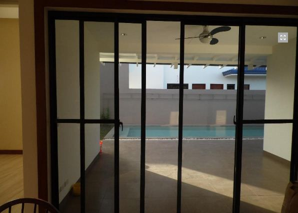 Spacious Bungalow House with Swimming pool for rent - 4