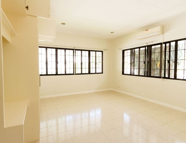 Spacious 4 Bedroom House with Swimming Pool for Rent in North Town Homes - 1