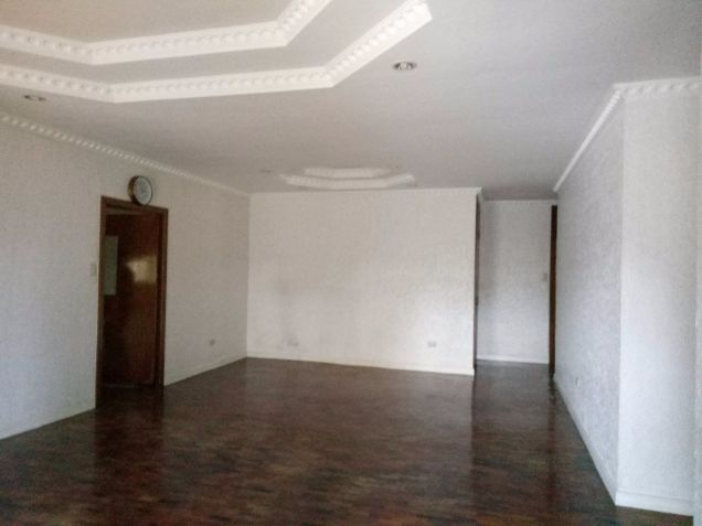 Bungalow Type with 4 Bedroom House and Lot for Rent in Cutcut Angeles City - 9