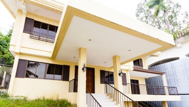 Semi-Furnished 4 Bedroom House for Rent in Maria Luisa Park - 0