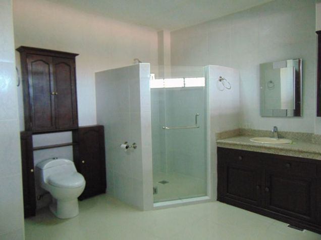 House for Rent 5 Bedrooms in Mabolo, Cebu City - 6