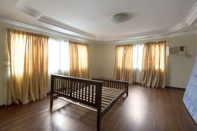 5 Bedroom House for Rent in Cebu City Banilad - 1