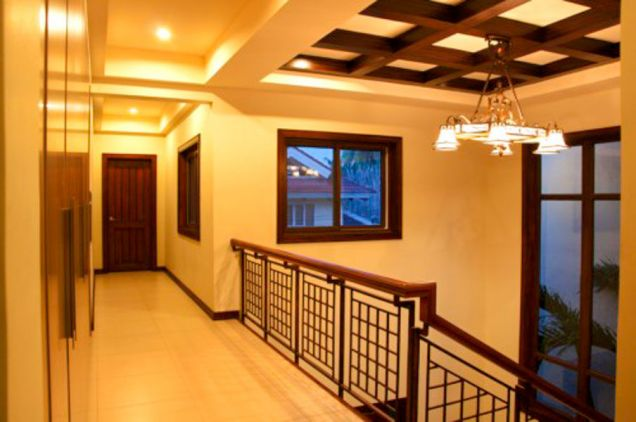 5 Bedroom House with Swimming Pool for Rent in Cebu City - 1