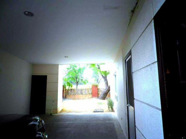 House In Clark Pampanga For Rent With 3 Bedrooms - 6