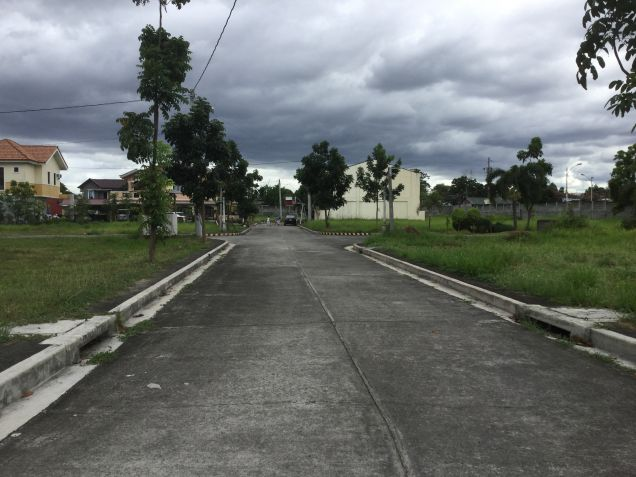 Residential Lot at Executive Subdivision in Quezon City near Commonwealth. - 0