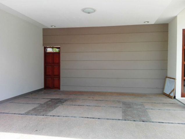4 Bedroom House with Swimming pool for rent in Hensonville - 70K - 2