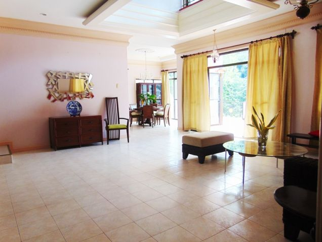 House for Rent with Swimming Pool in Banilad, Cebu City - 3