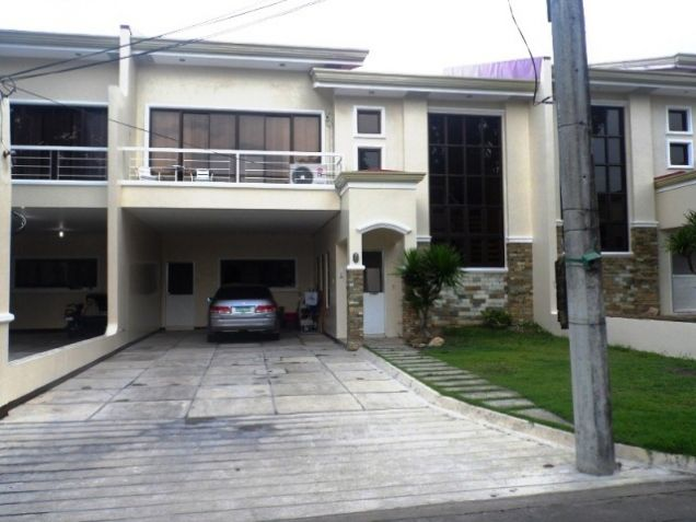 Town House with 4 Bedrooms inside a Secured Subdivision for rent @P35K - 1
