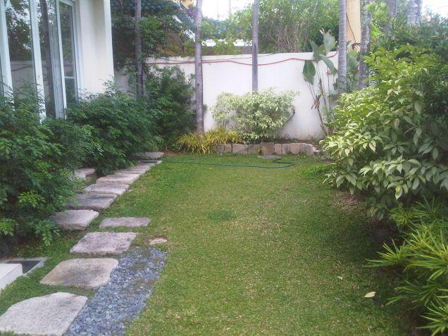 Ayala Alabang Modern House For Rent - 7