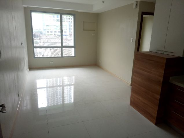 Semi Furnished Rent to Own scheme 2Bedroom Condo unit near Makati and Ortigas - 4
