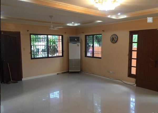 House and Lot with 4 Bedrooms for rent - 36K - 5