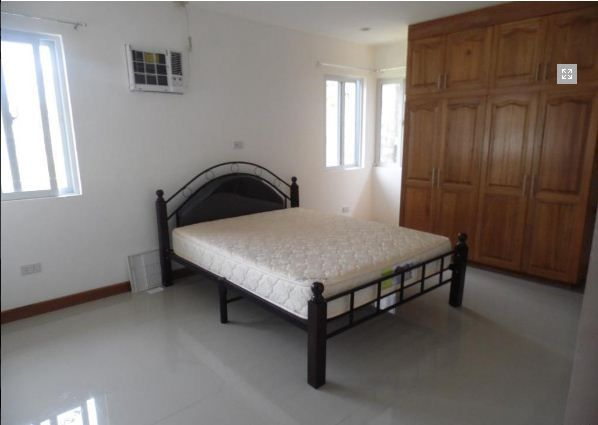 FOR RENT Bungalow House and Lot Near SM Clark - P30K - 1