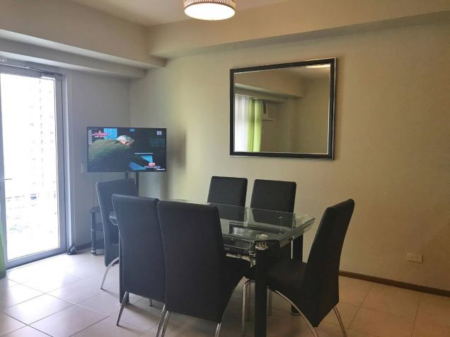 FULLY FURNISHED 2 Bedroom Condo Unit w Parking Lot, Two Serendra, BGC FOR SALE - 9