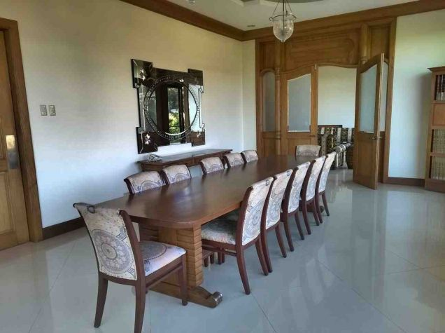 5 Bedroom House for Rent with Swimming Pool in Maria Luisa Estate Park - 3