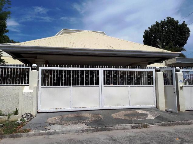 House for rent with 4 bedrooms in Angeles - 0
