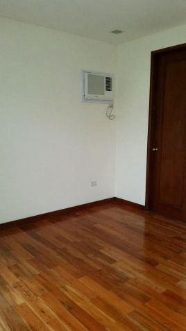For Rent House and lot with swimming pool in Friendship - 70K - 6