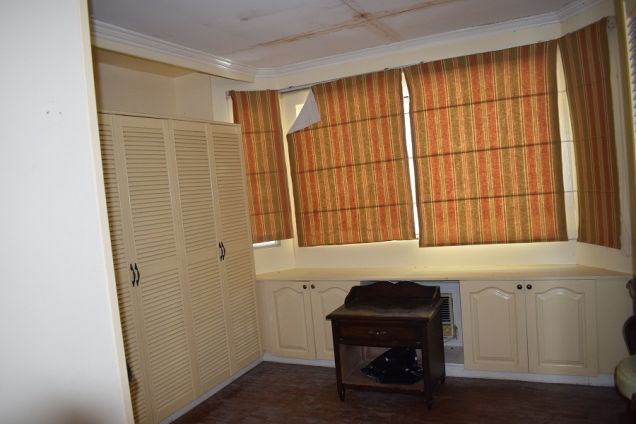 5 bedrooms Furnished  Townhouse  with Fiber optic ready @Php50k - 3
