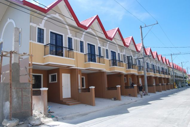 Ready for occupancy row townhouse for sale in taytay rizal for 8 salon taytay rizal