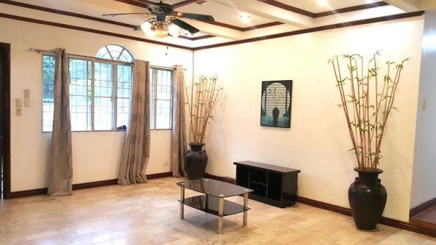 Bungalow House with Spacious yard for rent in Angeles City, Pampanga - P50K - 8