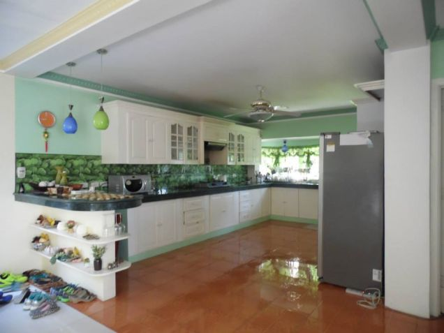 5 Bedroom Elegant House with Big Yard for rent in Angeles City - 5