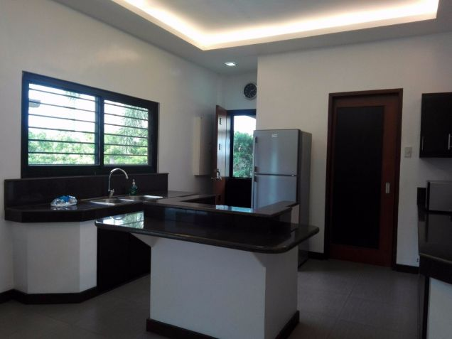 Spacious Bungalow House and Lot for Rent in Hensonville Angeles City - 3