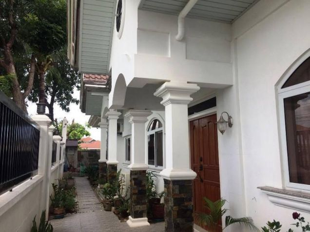 4 Bedroom Furnished house and lot for rent with pool near Nlex - 5