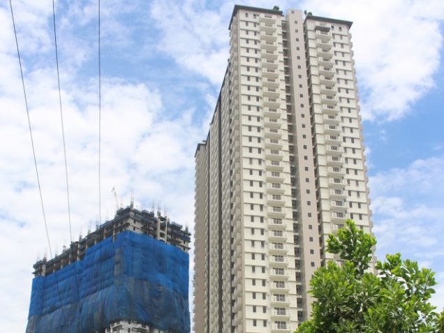 2 bedroom with 2bathroom Rizal for sale in Quezon City facing Makati Skyline - 0