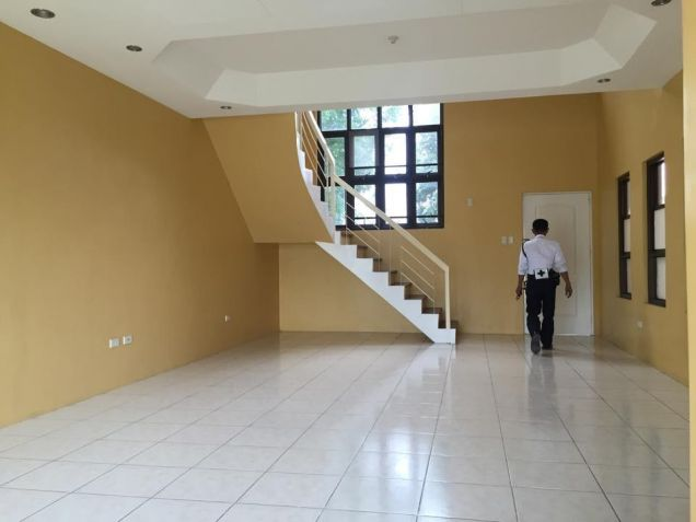 Townhouse With Four Bedroom For Rent In Angeles City - 9