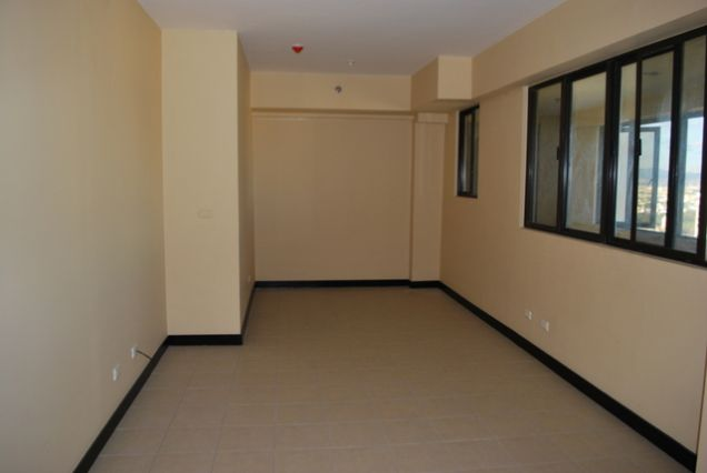 Ready for Occupancy 2 Bedroom Condo Unit in Pasig - 4