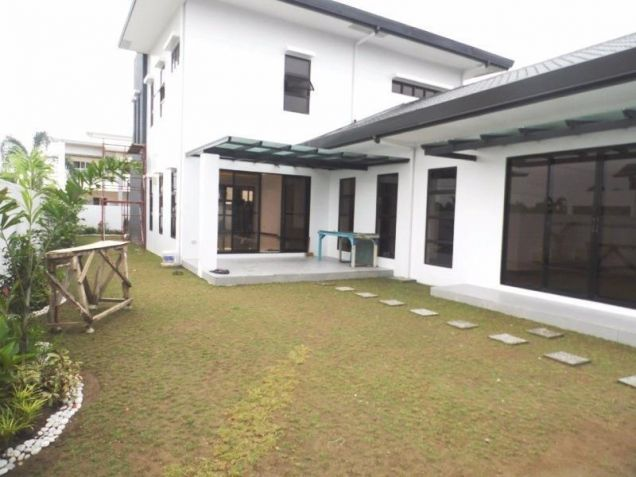 Semi furnished house and lot for rent in Angeles with 3BR - 80K - 2