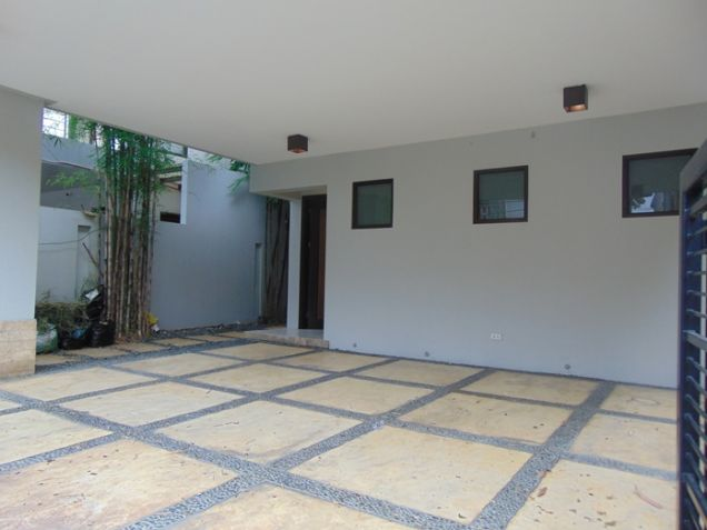 3 Bedrooms House for Rent in Banilad, Cebu City Semi-Furnished - 2