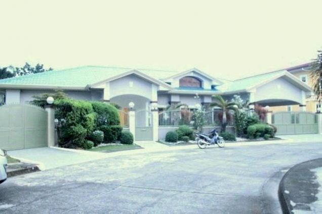 Huge House for Rent with Private Swimming Pool in Angeles City - 9