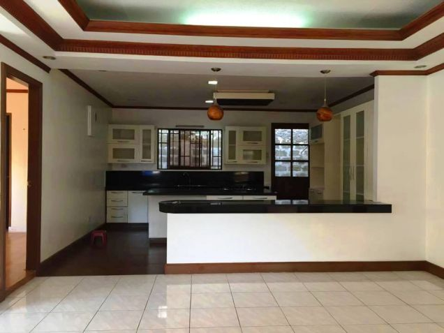 Bungalow House and Lot for Rent in Hensonville, Angeles City - 6