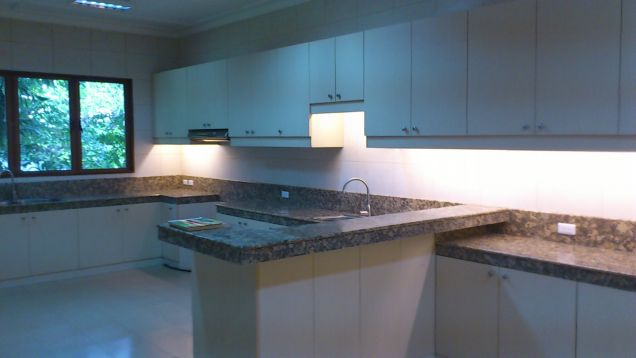 Forbes Park Village Makati house for rent Split-level - 3
