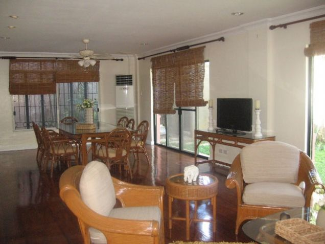 3-Bedroom House for Rent in Banilad Cebu City Furnished - 1