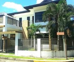 Nice House and lot with 3 Spacious Rooms for rent - 50K - 0