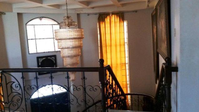5 Bedroom house near Robinson Balibago - 70K - 2
