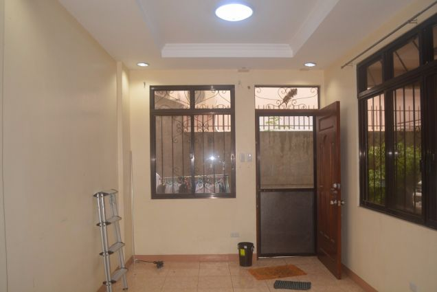 Lahug 2 storey townhouse with 3 spacious bedrooms unfurnished P25K - 9