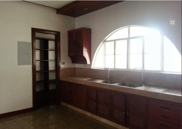 Spacious Bungalow House for rent in Friendship - 40K - 2