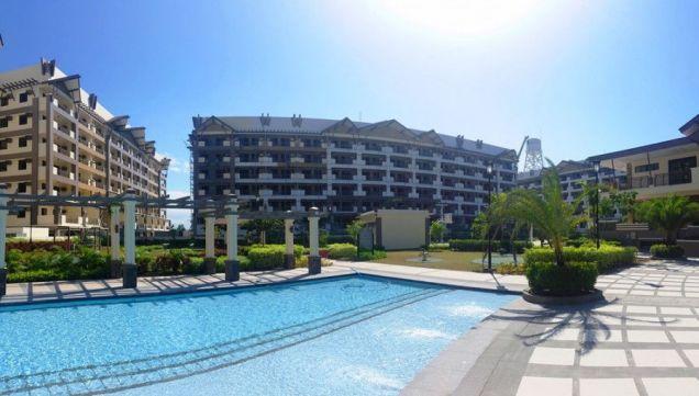 Verawood Residences 3 Bedroom Condo in Acacia Estates Taguig near BGC! - 5