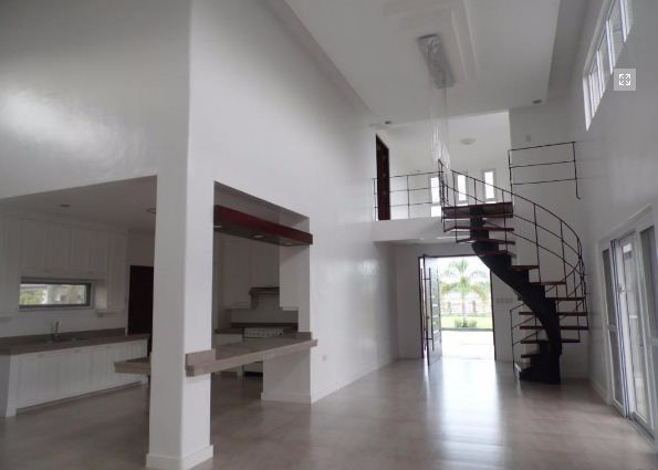 5Bedroom w/pool house & Lot for RENT in Hensonville Angeles City.. - 3