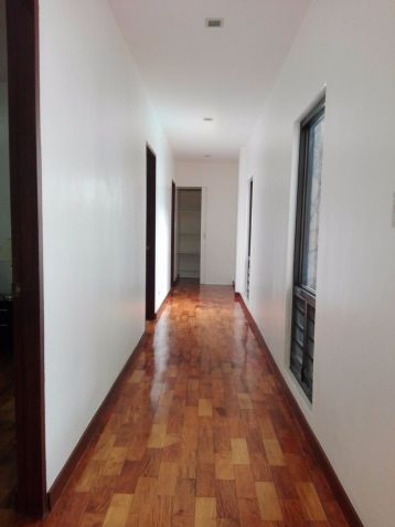 Spacious Bungalow House and Lot for Rent in Hensonville Angeles City - 1