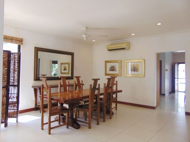 4 Bedroom Bungalow House with Swimming Pool for Rent in Banilad, Cebu City - 6
