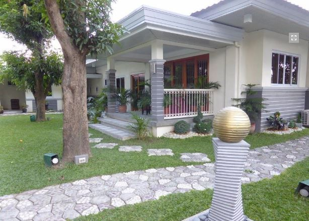 1 Storey House with Nice Landscaped yard for rent - 45K - 0