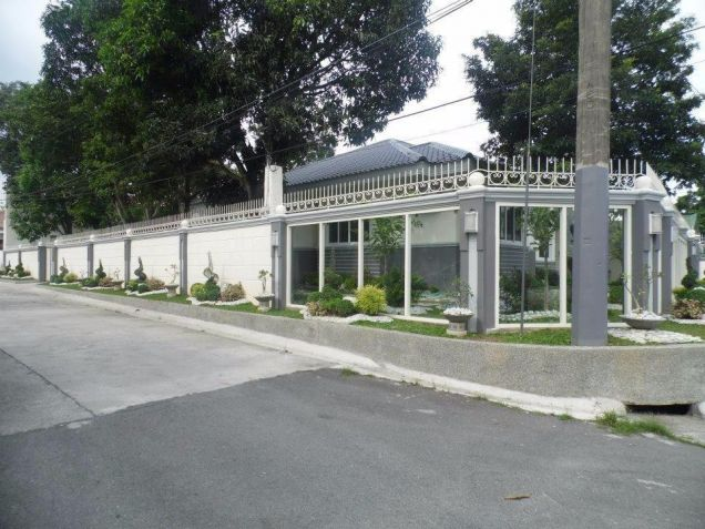 4 Bedroom Spacious Bungalow House and Lot for Rent in Angeles City - 5